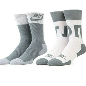 NWT -NIKE 2 pack  Athletic Crew Mens/Womens Socks